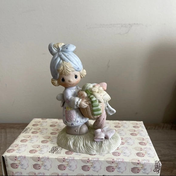 """""""Be Not Weary In Well Doing"""" Figurine"""